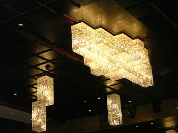 otel-avize-aydınlatma-imalat-modelleri-kristalli-otel-avize-modelleri-avize-imalat-otel aplik modelleri (1)