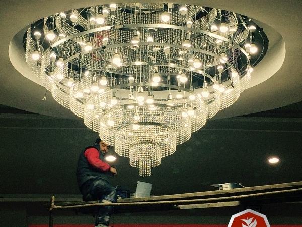 Düğün salonu kristalli rgb led avize imalatı