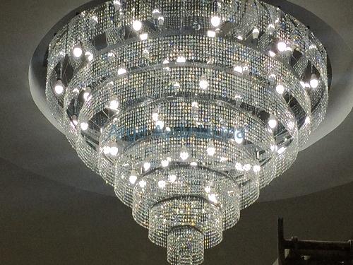Düğün salonu kristal tavan uygulama